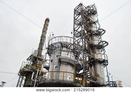 Installation for primary oil refining. Oil and gas refinery.
