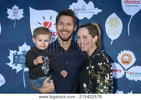 LOS ANGELES - NOV 19:  Ford Robert Clifton, Scott Clifton, Nicole Lampson Clifton at the Diono Presents A Day of Thanks & Giving at Garland Hotel on November 19, 2017 in North Hollywood, CA