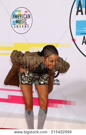 LOS ANGELES - NOV 19:  Yara Shahidi at the American Music Awards 2017 at Microsoft Theater on November 19, 2017 in Los Angeles, CA