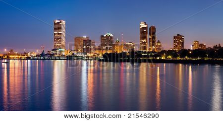 Skyline der Stadt Milwaukee.