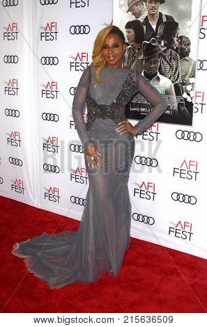 LOS ANGELES - NOV 9:  Mary J Blige at the