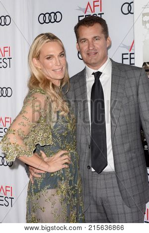LOS ANGELES - NOV 9:  Molly Sims, Scott Stuber at the