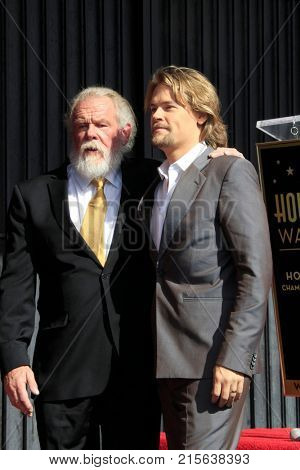 LOS ANGELES - NOV 20:  Nick Nolte, Brawley Nolte at the Nick Nolte Star Ceremony on the Hollywood Walk of Fame on November 20, 2017 in Hollywood, CA