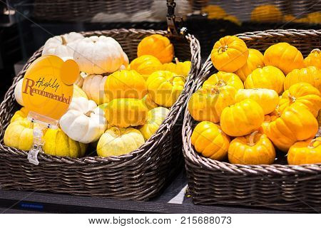 Recommended label or sign for small pumpkin at supermarket.