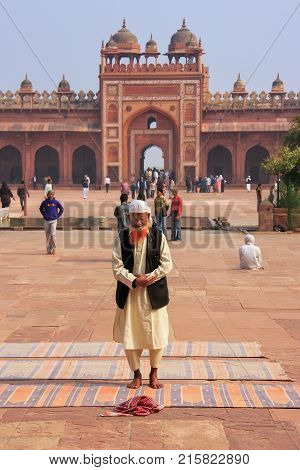 Fatehpur Sikri, India-december 30: Unidentified Man Stands In The Courtyard Of Jama Masjid On Decemb