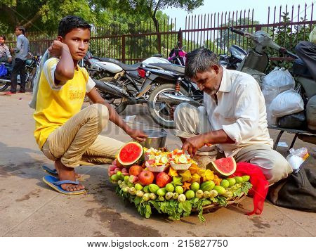 Fatehpur Sikri, India-november 9: Unidentified People Sell Fruit Outside Of Jama Masjid On November
