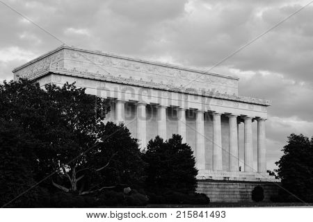 Lincoln Memorial in a dramatic day with the people in motion blur.