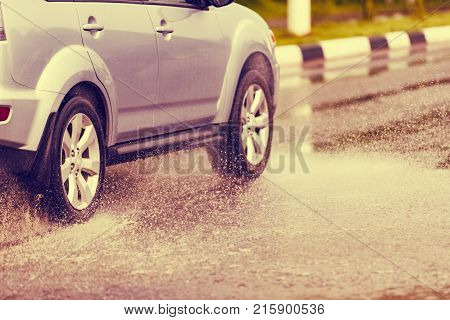 Car Rain Puddle Splashing Water Toning