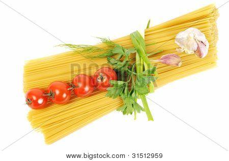 Bunch Of Raw Apaghetti With Garlic And Tomato