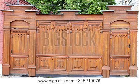 Beautifull Gate And Door, Wicket And Fence. Tall Painted Barrier. Russian Style. Wooden Architecture