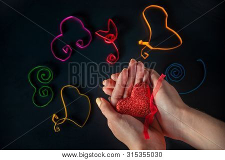 World Kindness Day Thirteenth Of November - Different Colors Hearts That Made The Children Are On A