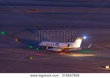 Las Vegas, Nevada, Usa - May 7, 2013: Gulfstream G-iv-x Luxury Business Jet N723mm At Mccarran Inter