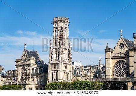Church Of Saint Germain Lauxerrois - Paris, France