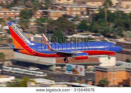 Las Vegas, Nevada, Usa - May 5, 2013: Southwest Airlines Boeing 737 Aircraft On Approach To Land At