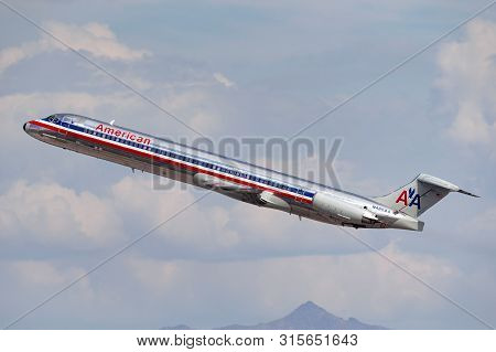 Las Vegas, Nevada, Usa - May 8, 2013: American Airlines Mcdonnell Douglas Md-82 Airplane Taking Off