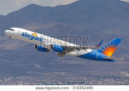 Las Vegas, Nevada, Usa - May 8, 2013: Allegiant Air Boeing 757 Airliner Taking Off From Mccarran Int