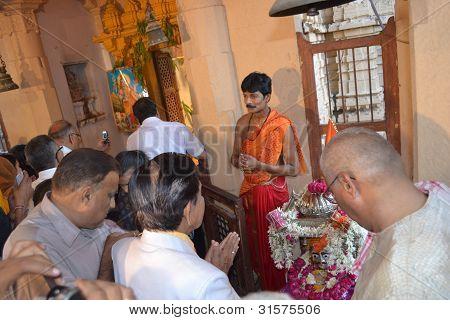 Offering Prayers At Hateshwar Temple