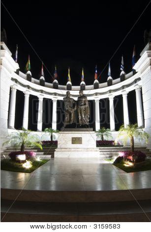 Rotunda Malecon 2000