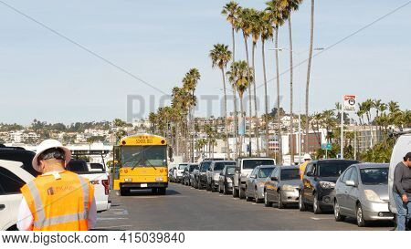 San Diego, California Usa - 31 Jan 2020: American Yellow School Bus, Street In Downtown. Schoolbus S