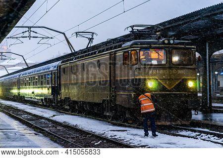 Winter Detail Train View. Train On The Platform Of Bucharest North Railway Station (gara De Nord Buc