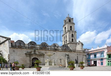 HAVANA, CUBA - JULY 21, 2016: Basilica Menor de San Francisco de Asis. Built at the end of sixteenth century as the home of the Franciscans. Currently used for concerts.