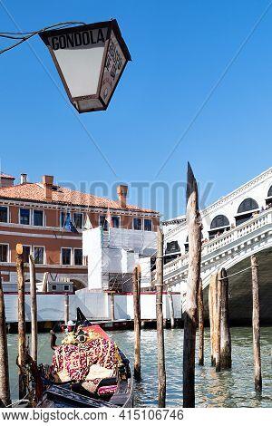 Rialto Bridge In Venice, Italy. Grand Canal.