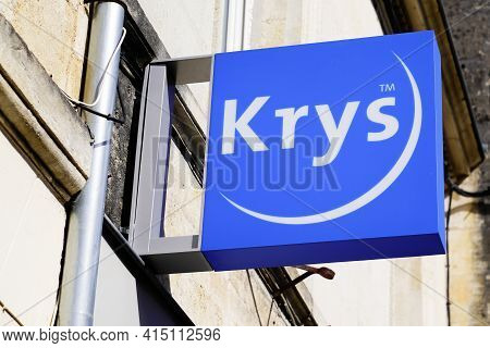 Bordeaux , Aquitaine France - 03 29 2021 : Krys Logo Brand And Text Sign Front Of Optician Shop Opti