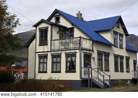 Seydisfjordur / Iceland - August 29, 2017: Houses In The Fjord Of Seydisfjordur Village, Iceland, Eu