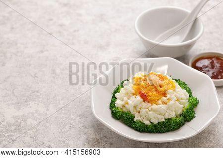 sai pang xie, chinese imitated crab dish made with eggs