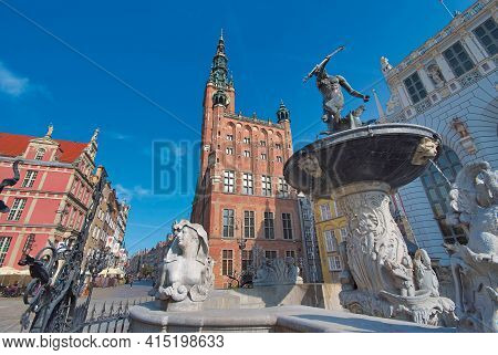 Gdansk Town Hall And Neptune's Fountain Statue, Poland