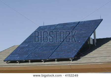 Nice Bank Of Solar Panels Soaking Up Some Energy