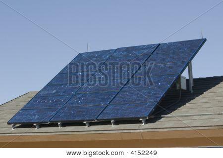 Nice Bank von Sonnenkollektoren aufsaugen etwas Energie