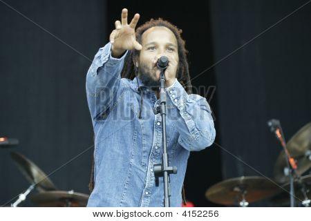 Ziggy Marley Singing At  Bonnaroo