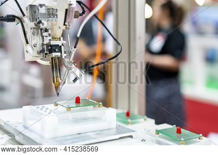 High Technology And Modern Automatic Robot For Pcb (print Circuit Board) Assembly Machine During Sol