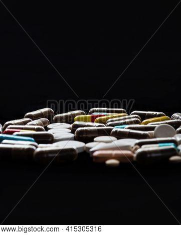 Medicaments. Narcotic Medication. Prescription Drugs. Tablet Formulation. Pharmacy.