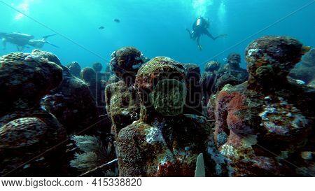 Beautiful Musa Reef Sculpture In Cancun, Mexico