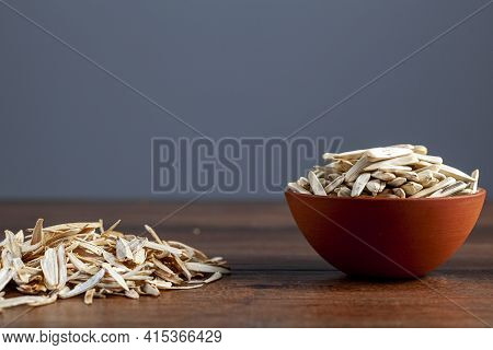 Roasted And Salted Sunflower Seeds Are Very Popular Turkish Nibbles That Are Eaten As Part Of Snacks