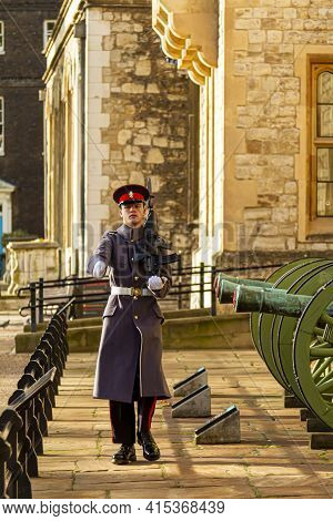 London, Uk 11-18-2012: A Young Caucasian British Soldier Is On Sentry Duty In The Tower Of London. H