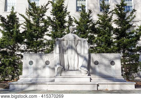 Washington Dc, Usa 11-29-2020: The Founders Monument: A Marble Monument Located In Front Of The Nati