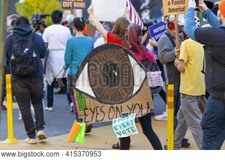 Washington Dc, Usa 11/06/2020: A Crowd Gathered Near White House Demand Every Vote Be Counted In The