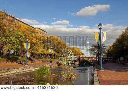 Frederick, Md, Usa 10/13/2020: An Afternoon View Of The Carroll Creek Park, Frederick In Autumn. A C