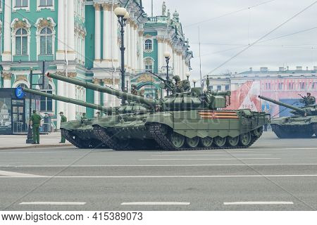 Saint Petersburg, Russia - June 20, 2020: T-72b3 Tanks At The Winter Palace. Fragment Of The Dress R