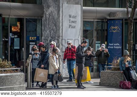 Chicago, Il March 14, 2021, People, Shoppers, Tourist Standing Outside Of The Water Tower Place Shop