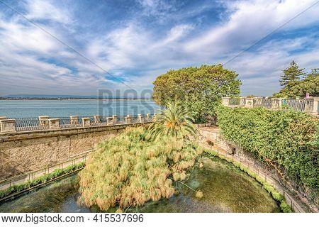 Syracuse Sicily, Otigia. The Alfeo Seafront And Source Aretusa