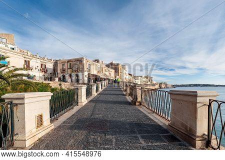 Syracuse Sicily/ Italy -april 27 2018: Source Aretusa In Syracuse Sicily