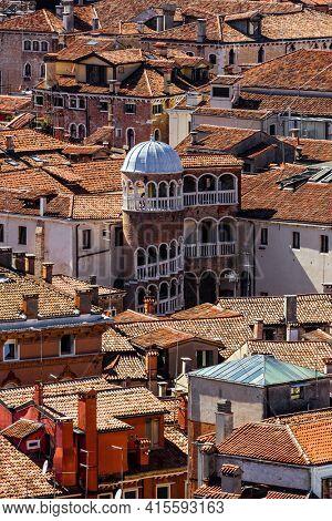 Palazzo Contarini del Bovolo in Venice Italy - architecture background