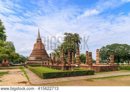 Pagoda And Ruined Chapel Monastery Complex At Wat Chana Songkhram Temple, Sukhothai Historical Park,