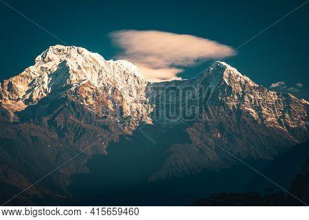 Sunset Above Annapurna Valley Himalayn Mountain Near Machapuchare Mardi Himal Track In The Himalaya