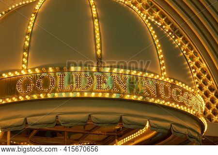 Las Vegas, Usa - March 10, 2015: Entrance Of Golden Nugget Casino In The Old Part Of Las Vegas At Fr
