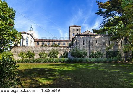 New York, Usa - October 22, 2015:  People Visit The Sanctuary At The Cloisters Museum In New York, U